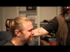 Sons of Anarchy Ryan Hurst shaves his beard after Opie dies