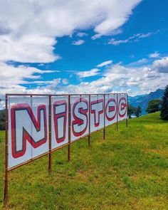 Un fine settimana lungo sul #lagodiseo che ti farà impazzire! Il Festival #Nistoc che si tiene in località Nistisino (frazione di #Sulzano  BS) è un'happening musicale su un grande prato tra i boschi a ridosso del magnifico Lago dIseo. In questo anfiteatro naturale immersi nel verde e nella tranquillità per 4 giorni si può godere di buona musica gratuita che spazia dal blues americano quello vero ed originale al folk e agli svariati generi proposti da band locali e non che propongono musica…