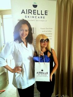 Celebrity Stylist Phu Styles with gift bag from beauty sponsor Arielle Skincare with BERRIMATRIX anti aging formula