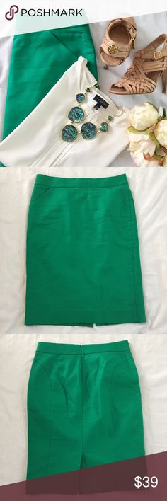 """🆕 J. Crew Factory pencil skirt The perfect work skirt! This beautiful Kelly green pencil skirt from J. Crew Factory is brand new with tags. Measurements (laying flat):  🔸length (top to bottom hem)- 25""""         🔸waist (top of skirt)- 16"""" 🔸hips (bottom of zipper)- 20"""" J. Crew Factory Skirts Pencil"""