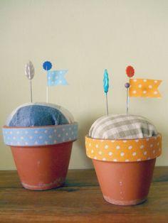 Sweet Tidings: Rainy Day Crafting: Flowerpot Pincushion