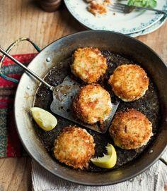 Hot-smoked salmon fishcakes
