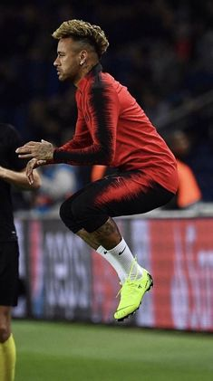 Messi Soccer Shoes, Nike Soccer, Soccer Cleats, Neymar Football, Football Memes, Best Football Players, Soccer Players, Solo Soccer, Soccer Art
