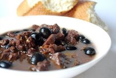 Rita's Best Recipes: Trinchado (Beef Cubes in a Red Wine Sauce) Beef Recipes For Dinner, Cooking Recipes, Good Food, Yummy Food, Yummy Recipes, Healthy Recipes, Olive Recipes, Portuguese Recipes, Portuguese Food