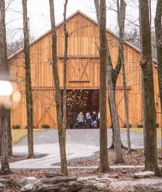#SaddleWoodsFarm Debuts with Exquisite Event Planned by #LaurieDeAnne, Catered by #Chef'sMarket | Nashville Wedding Guide for Brides, Grooms - Ashley's Bride Guide