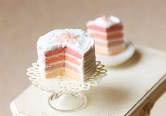 this is a dollhouse cake but i want to make a real version, i love the colors!