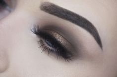 Makeup Geek Eyeshadows in Beaches and Cream, Frappe and Mocha + Makeup Geek Pigment in Utopia. Look by: Angela Bright