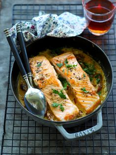 Fish And Seafood, Pepperoni, Fresh Rolls, Fish Recipes, Curry, Food And Drink, Cholesterol, Cooking, Ethnic Recipes