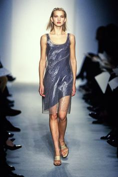 See the complete Calvin Klein Collection Spring 1997 Ready-to-Wear collection.