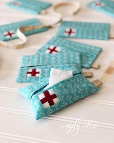 "Fabric tissue holders, Swiss cross ouch pouch fabric kleenex case 107 Likes, 42 Comments - Eilene Johnson (@simplyeilene) on Instagram: ""I've been wanting to make up a pattern for some cute #ouchpouch travel size fabric tissue holders.…"""