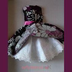 Vestido estampado de flores para Nancy ( incluye patrón ) – Artesanía N&K Nancy Doll, American Doll Clothes, Doll Dress Patterns, Prom Dresses, Formal Dresses, Cardboard Furniture, American Girl, Diy Crafts, Dolls
