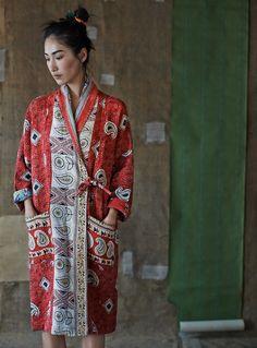 Toast House&Home 2014 Kantha gown kimono kaftan rope Kimono Fashion, Boho Fashion, Ethnic Fashion, Womens Fashion, Fashion Design, Fashion Trends, Steampunk Fashion, Style Japonais, Techniques Couture