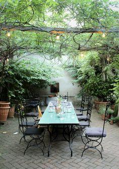Apotekarns tradgard osterlen simrishamn (2) Outdoor Rooms, Outdoor Tables, Outdoor Living, Outdoor Decor, Garden Nook, Cute Cottage, Sweden Travel, Back Patio, Staycation