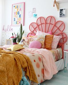 sharing few tips I like to use when styling my girls bedroom - more ideas and pics on the blog