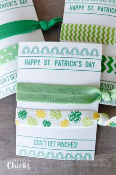 Patrick's Day Hair Tie Cards are a fun gift idea. Keep your friends from getting pinched by giving them these fun St. Diy And Crafts Sewing, Diy Crafts For Kids, My First Easter, Paddys Day, Mom Day, Craft Party, Spring Crafts, Hair Ties, Fourth Of July