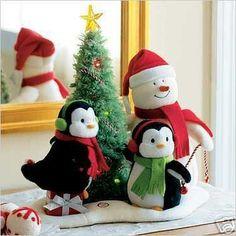 Hallmark Very Merry Trio Snowman Penguins Sing Tree 06