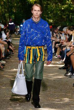 Balenciaga Spring 2018 Menswear Collection Photos - Vogue