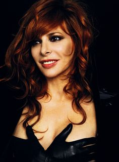 Mylène Farmer by Bettina Rheims French Beauty, Timeless Beauty, Celebrity Hairstyles, Messy Hairstyles, Famous Photos, Gorgeous Redhead, French Photographers, Celebs, Celebrities
