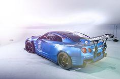 Racing Nissan GTR
