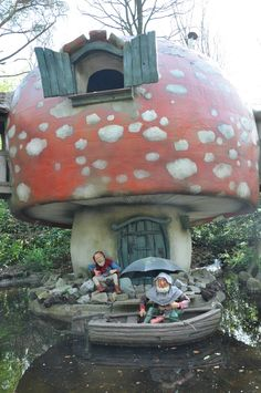 I would love to go to Fairytale Forest one day. I know my wonderland would have huge mushrooms it, which is what drew me to this pic, but through the link, Fairytale Forest in Netherlands sounds like a dream come true ;)