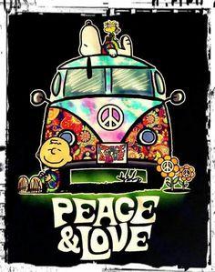 Hippie Love Fest ☮️ Charlie Brown, Snoopy and Woodstock Paz Hippie, Estilo Hippie, Hippie Peace, Happy Hippie, Hippie Love, Hippie Things, Hippie Chick, Peanuts Cartoon, Peanuts Snoopy