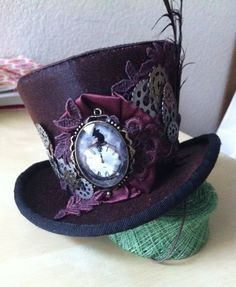 Miniature top hat look by Wendy Freaney of Hat Candy. #millinery #judithm #hats
