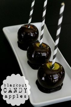 Blackout Candied Apples!! Such a fun and spooky way to do make apples for all Halloween festivities! {Lil' Luna} See it at: lilluna.com