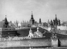 Утраченные памятники Московского Кремля