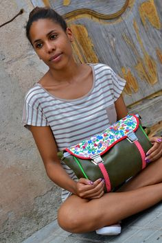 #green #verde #yellow #amarillo Model:London Time $48.06 / 36€ Se vende en/Buy it online: http://www.rollitoasi.com/en/13-bags  Copyrights reserved Rollitoasi