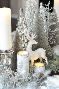 Here are best White Christmas Decor ideas. From White Christmas Tree decor to Table top trees to Alternative trees to Christmas home decor in White. Silver Christmas Decorations, Christmas Tablescapes, Christmas Mantels, Noel Christmas, Rustic Christmas, Winter Christmas, Christmas Crafts, Christmas Tree With Tinsel, Christmas Centerpieces For Table