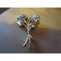"""New Listing Started vintage goldtone two flower brooch with centre faux pear/clear stones 1.75""""high £2.25"""