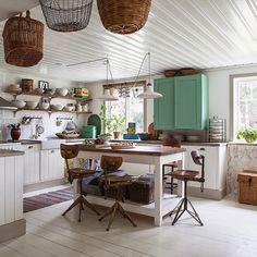 Ja då var det dags igen kära ni.  Vårt kök är nu med i Sköna Hem gjort av Anna Truelsen  och  Carina Olander .  Jag måste  TACKA  er som h...
