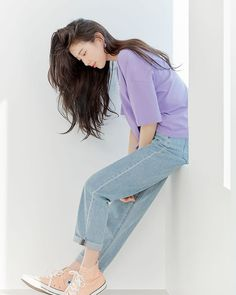 Blackpink Fashion, Korean Fashion, Fashion Outfits, Instyle Magazine, Cosmopolitan Magazine, Bae Suzy, Korean Actresses, Denim Outfit, College Outfits