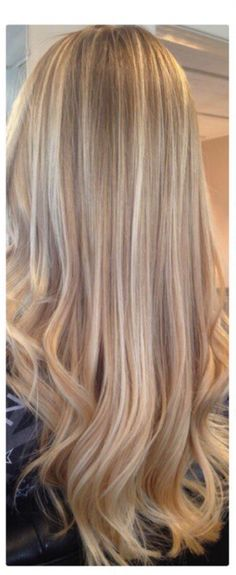 Blonde hair color, women's hair colors, pretty hair, hairstyles, long hair, blonde highlights, summer hair, summer hairstyles. #hair #blonde