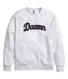 H&M Sweatshirt with a print ฿ 499