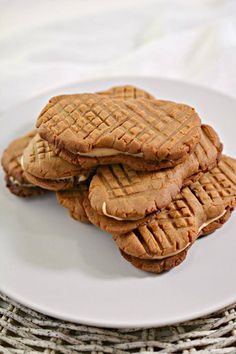 Keto Cookies – Super Yummy Low Carb Copycat Nutter Butter Peanut Butter Cookie Recipe For Ketogenic Diet – Keto Friendly & Beginner – Desserts – Snacks Peanut Butter Fat Bombs, Low Carb Peanut Butter, Chocolate Peanut Butter Cookies, Peanut Butter Cookie Recipe, Dessert Simple, Gluten Free Sweets, Keto Cookies, Sugar Cookies, Low Carb Recipes
