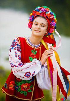 Український віночок: символи та значення квітів та стрічок