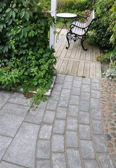 Bosse Rappne Paving Ideas, Garden Paving, Pavement, Garden Inspiration, Building, Outdoor Decor, Porch, Outdoors, Home Decor