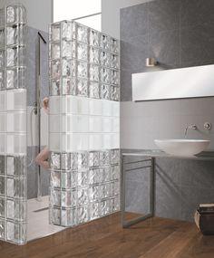 Glass blocks disappear and come back as new bathroom design trends from time to time New Bathroom Designs, Modern Bathroom Design, Bathroom Interior Design, Interior Walls, Bathroom Glass Wall, Brick Bathroom, Glass Blocks Wall, Block Wall, Bad Inspiration