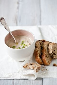 // roasted cauliflower, leek and garlic soup