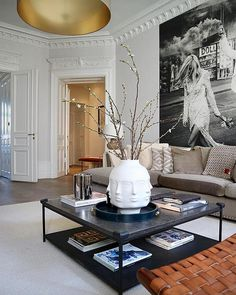 Elegant Contemporary Living Room Design Ideas So as to generate an appearance of modernization, the designs should incorporate the perfect living room accessories that will accentuate the appearance of the room. Design Salon, Design Hotel, Living Room Accessories, Dream Decor, Cheap Home Decor, Decor Interior Design, Interior Modern, Interior Livingroom, Modern French Decor