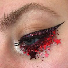 """2,277 gilla-markeringar, 13 kommentarer - Jazzy Glitter (@jazzy_glitter) på Instagram: """"Yaaahhhs look at this beautiful look @pinkishpiendel has just created using our red holograph…"""""""
