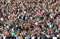 15,000 people gathered to watch Sir Elton John perform.