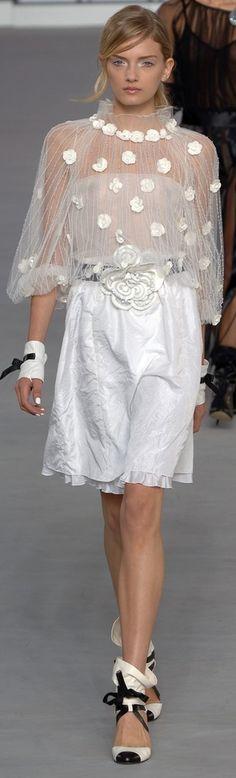 Chanel Spring 2006 ▓█▓▒░▒▓█▓▒░▒▓█▓▒░▒▓█▓ Gᴀʙʏ﹣Fᴇ́ᴇʀɪᴇ ﹕☞ http://www.alittlemarket.com/boutique/gaby_feerie-132444.html ══════════════════════ ♥ Bɪᴊᴏᴜx ᴀ̀ ᴛʜᴇ̀ᴍᴇs ☞ https://fr.pinterest.com/JeanfbJf/P00-les-bijoux-en-tableau/ ▓█▓▒░▒▓█▓▒░▒▓█▓▒░▒▓█▓