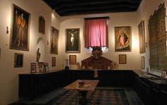 Nuestro piso segundo es cerca de Marchena, España. Marchena es una pequeña ciudad muy histórica; sus paredes han sobrevivido a los romanos, los moros, y los cristianos. Representado aquí es el Museo Zurbarán, que contiene obras de arte religioso del siglo 17. Sin embargo, la ciudad no es moderno, y no tiene muchos lugares para comer.
