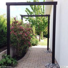 paradisbuske i trädgårdspassage
