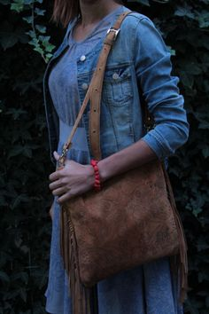 Grey dress in blue flower print plus leather brown boho bag with flower print