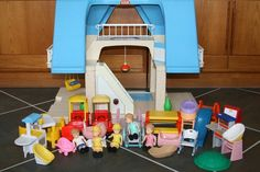 $99.95 VINTAGE LITTLE TIKES DOLL HOUSE DOLLHOUSE BLUE ROOF ACCESSORIES FURNITURE FAMILY