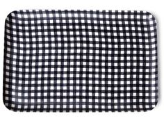 this gingham pattern would look great on porcelain as well