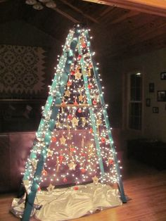 Best Artificial Christmas Tree Ideas - Blurmark Ladder is best option for alternative Christmas tree. Ladder Christmas Tree, Small Christmas Trees, All Things Christmas, Christmas Time, Christmas Crafts, Christmas Decorations, Holiday Decor, Xmas Trees, Christmas Outfits